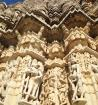 Contemplate the Temple of Ranakpur and itsmagnificent hand carved marble pillars